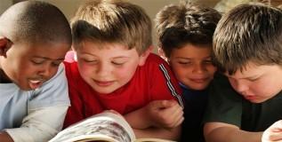 मुलांच्या शैक्षणिक यशासाठी वाचन आवश्यक
