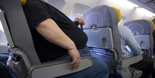 जाड व्यक्तींसाठी विमान तिकीट महाग?