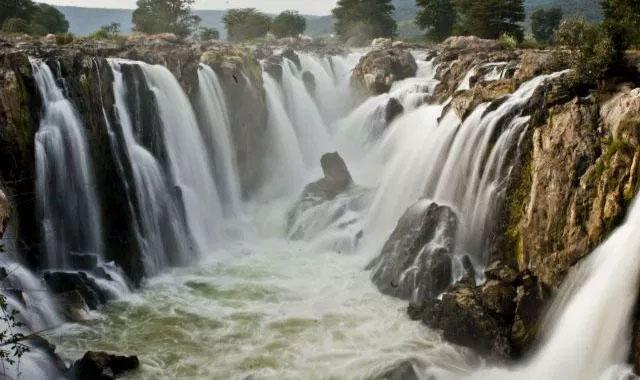 Hogenakkal-waterfalls