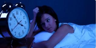 झोपेच्या अभावाने २० टक्के लोक त्रस्त