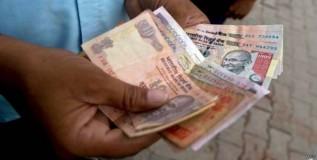 कर्जबाजारी होताहेत भारतीय