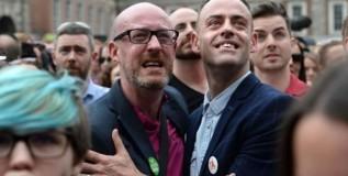 समलैंगिक विवाहाला आयर्लंडमध्ये मंजुरी