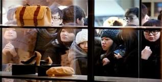 चिनी दुकानात चिन्यांनाच नो एंट्री
