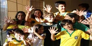 हातापायाला ६ बोटे असलेले ब्राझीलमधील कुटुंब