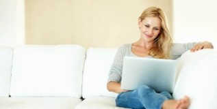 संगणकावर तासन्तास बसणाऱ्या महिलांना वजनवाढीचा धोका