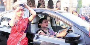 आता मुंबईची सफर करा तृतीयपंथी चालकांच्या टॅक्सीतून