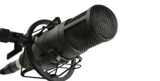 रेडिओ जॉकी आणि वृत्तनिवेदक क्षेत्रात करिअरच्या भरपूर संधी
