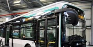 ऑटो एक्स्पोमध्ये दाखल झाली विजेवर धावणारी बस
