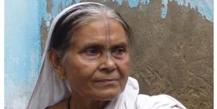 पतीच्या दीर्घायुष्यासाठी विधवेचे जिणे