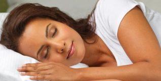 झोपेतील गडबड अयोग्य आहारामुळे