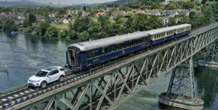 लॅन्ड रोव्हर स्पोर्टने ओढली १०० टन वजन असलेली ट्रेन