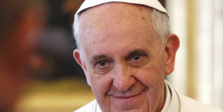 चर्चने समलैंगिक समुदायाची माफी मागावी: पोप