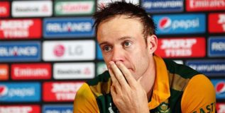 एबी डिव्हीलीयर्सने क्रिकेट कप्तानपद सोडले