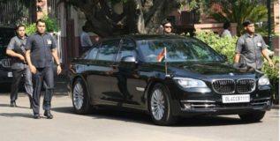 मुकेश अंबानी वापरतात देशातील सर्वात महागडी कार