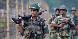 जम्मू-काश्मीरमध्ये चकमक; तीन दहशतवाद्यांना कंठस्नान