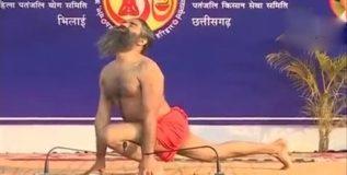 रामदेव बाबांचा विश्वविक्रमी सूर्यनमस्कार
