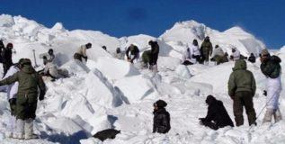 १४ जवान काश्मीरमधील हिमवादळात शहीद
