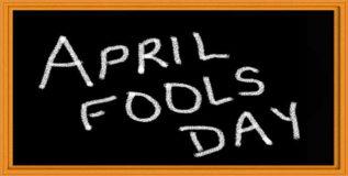 एप्रिल फूल- दुसर्यांना मूर्ख बनविण्याचा दिवस
