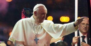 स्थलांतरितांची शिबिरे म्हणजे छळछावण्या – पोप