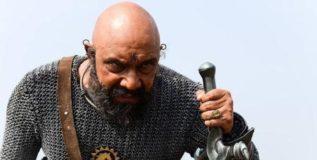 'बाहुबली २'साठी कटप्पाने घेतले नमते