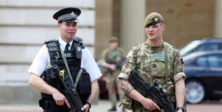 आणखी हल्ल्याच्या अपेक्षेने ब्रिटनमध्ये सैनिकांचा खडा पहारा