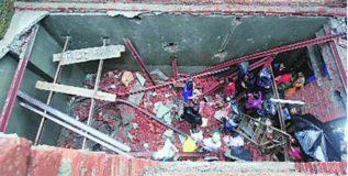 लग्नघरातील भिंत कोसळून ४ चिमुकल्यांसह २६ जणांचा मृत्यू