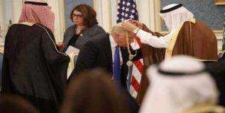 सौदी शाहसमोर झुकले डोनाल्ड ट्रम्प- अमेरिकेत हडकंप