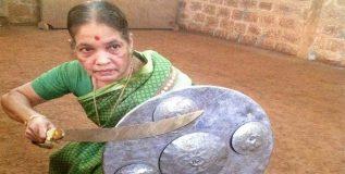 ७५ वर्षींच्या कलारीपयटटू तज्ञ मीनाक्षी अम्मा