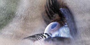 पावसाळ्यामध्ये डोळ्यांची काळजी कशी घ्याल?