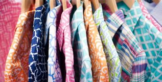 रंगीबेरंगी शर्ट