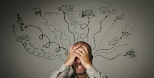 कामाचा ताण अन् कुटुंबाची जबाबदारी