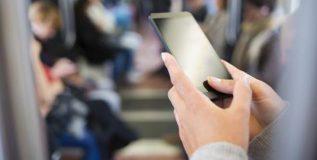 तुमच्या परिवाराकरिता योग्य मोबाईल प्लॅन कसा निवडाल?