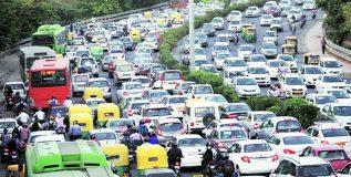 दिल्ली-एनसीआरमध्ये १५ वर्षांहून जुन्या वाहनांवर बंदी