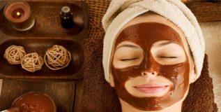 त्वचा सुंदर बनविण्यासाठी चॉकलेट वापरून बनवा फेस मास्क