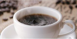 दररोज कॉफी पिताना..