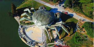 खेकड्याच्या आकाराची इमारत बनत आहे चीनमध्ये