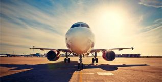 विमान प्रवासासाठी जात आहात? मग 'या' गोष्टी टाळा
