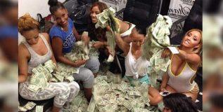 या कामातून मुली कमावतात लाखो ; पैसे ठेवायला ही कमी पडते जागा
