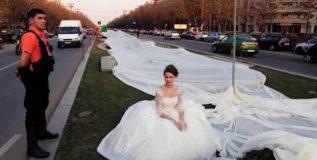 हा आहे जगातील सर्वात मोठा लग्नाचा गाऊन, जो केला आहे या खास प्रयोजनासाठी
