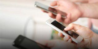 स्मार्टफोनच्या व्यसनामुळे नैराश्य, बेचैनीची जास्त शक्यता