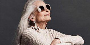 वयाच्या ९० व्या वर्षीही विविध फॅशन ब्रॅण्ड्सला प्रमोट करतात 'या' आजीबाई
