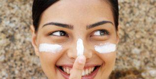 या कॉस्मेटिक ब्युटी थेरपीज् च्या मदतीने हटवा चेहऱ्यावरील वाढत्या वयाच्या खुणा