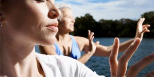 'ताय-ची' शिका आणि निरोगी राहा