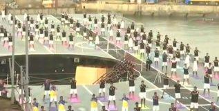 जवानांची आयएनएस विराट युद्धनौकेवर योगासने