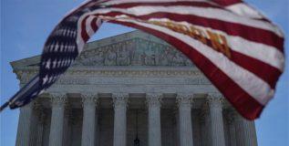 मुस्लिम देशांवरील ट्रम्प यांची प्रवासबंदी योग्यच – अमेरिका सर्वोच्च न्यायालय