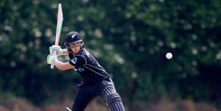 न्यूझीलंडच्या महिला क्रिकेटपटूने १७ व्या वर्षी एकदिवसीय सामन्यात ठोकले द्विशतक