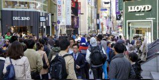 घटत्या प्रजनन दरामुळे 2050 पर्यंत चीनची लोकसंख्या होणार भारताच्या 65%