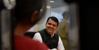 सरकारी नोकरीत मराठा समाजाला १६ टक्के आरक्षण : मुख्यमंत्री