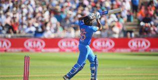 नवा विक्रम, टी-२० मध्ये ३ शतक ठोकणारा रोहित शर्मा पहिला भारतीय फलंदाज