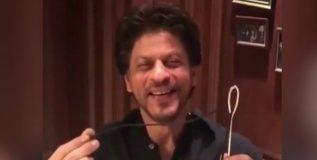 शाहरुख खानने स्विकारले अनुष्काचे 'सुई-धागा' चॅलेंज !